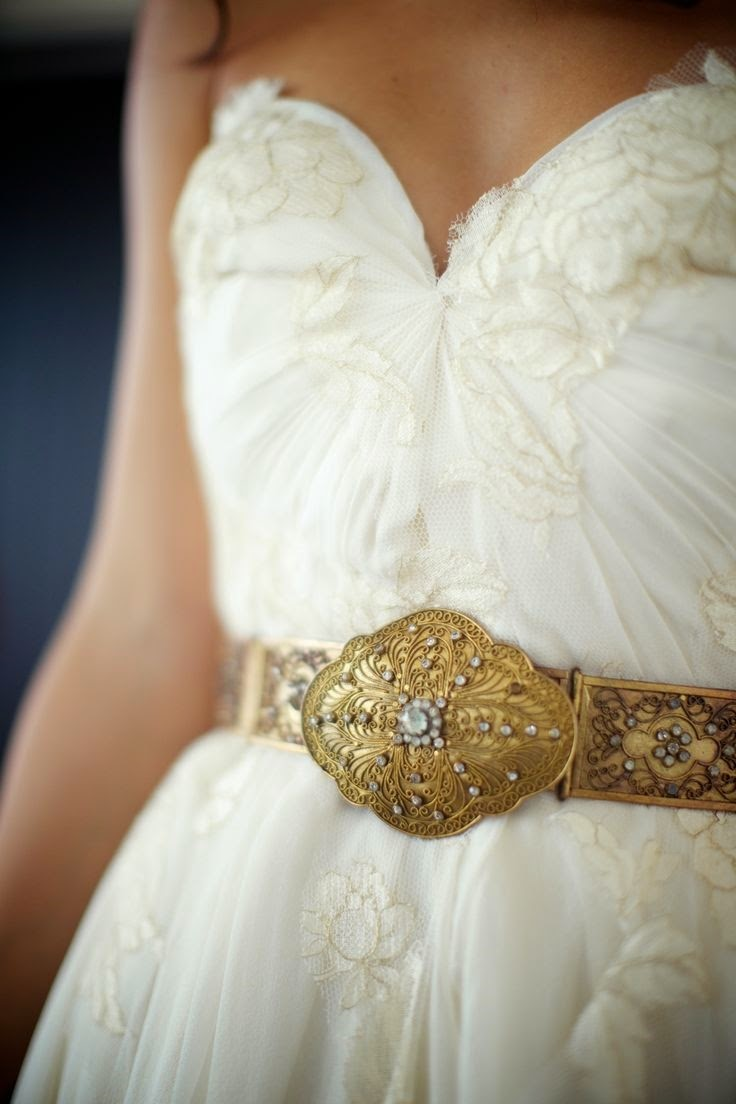 Wedding dresses with belts bridal accessories from rent for Wedding dress accessories belt