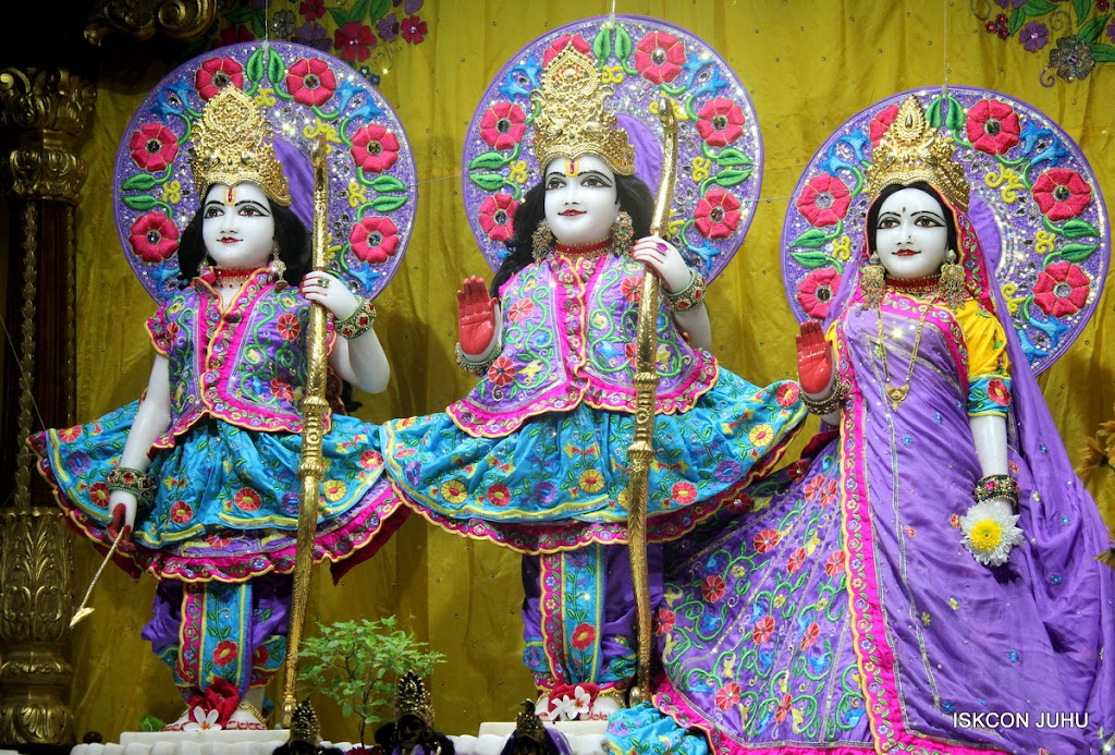 ISKCON Juhu Mangal Deity Darshan on 31st July 2016 (2)