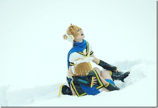 vocaloid 2 cosplay - kagamine len and rin 2