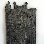 Centre d'Interprétation du Patrimoine : enseigne de pélerinage, Notre-Dame-de-Montserrat, 15e s., plomb