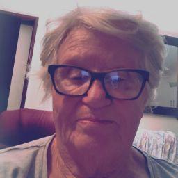 user Rosealea Ellen Burmeisteŕ apkdeer profile image