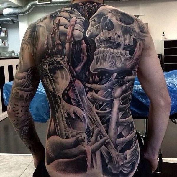 volta_cheio_de_tatuagens
