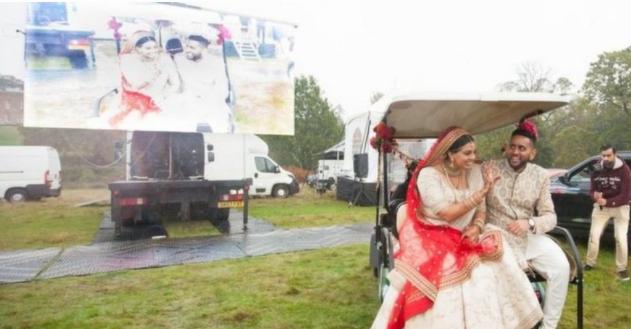گاڑیوں میں شادی