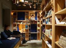 Хостел для фанатів читання у Японії