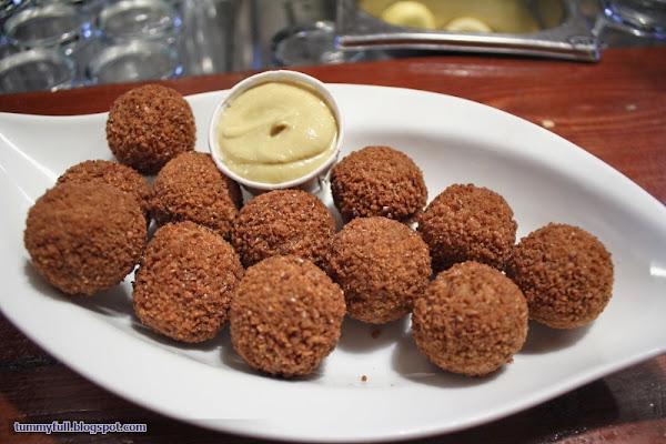 Eat Till Tummy Full: Bitterballen of Cafe Het Gasthuys ...
