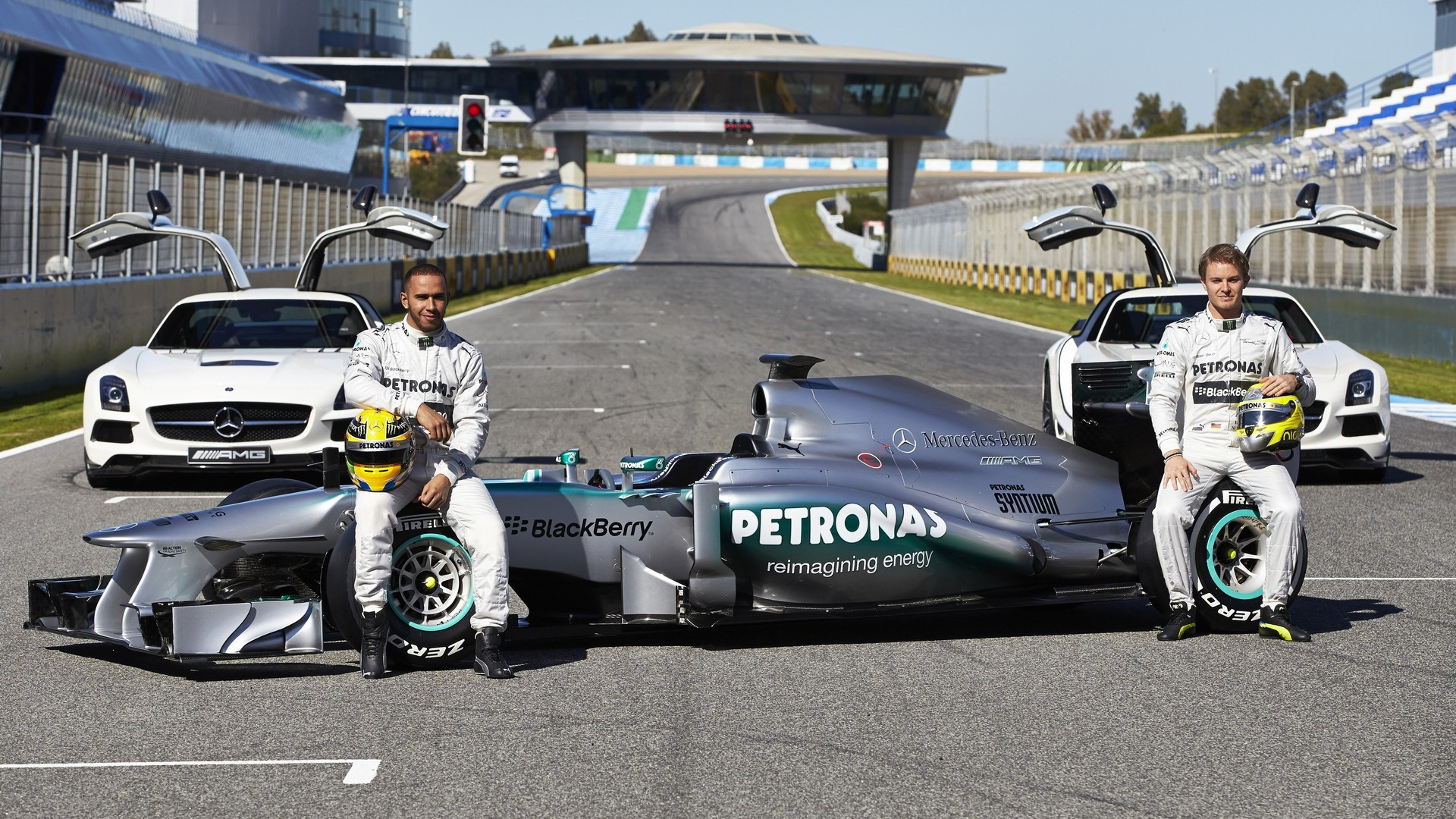 hd pictures 2013 launch mercedes w04 f1 car f1. Black Bedroom Furniture Sets. Home Design Ideas