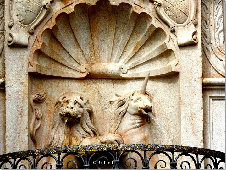 Brunnenfiguren  Einhorn und Löwe