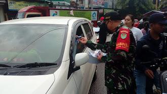 Koramil 0409/Telagasari Sosialisasikan Pencegahan Covid-19 Dengan Bagi-Bagi Masker