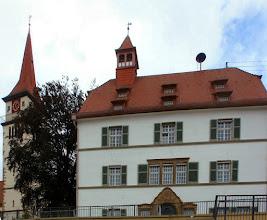 Photo: das Ilsfelder Rathaus mit Kirchturm