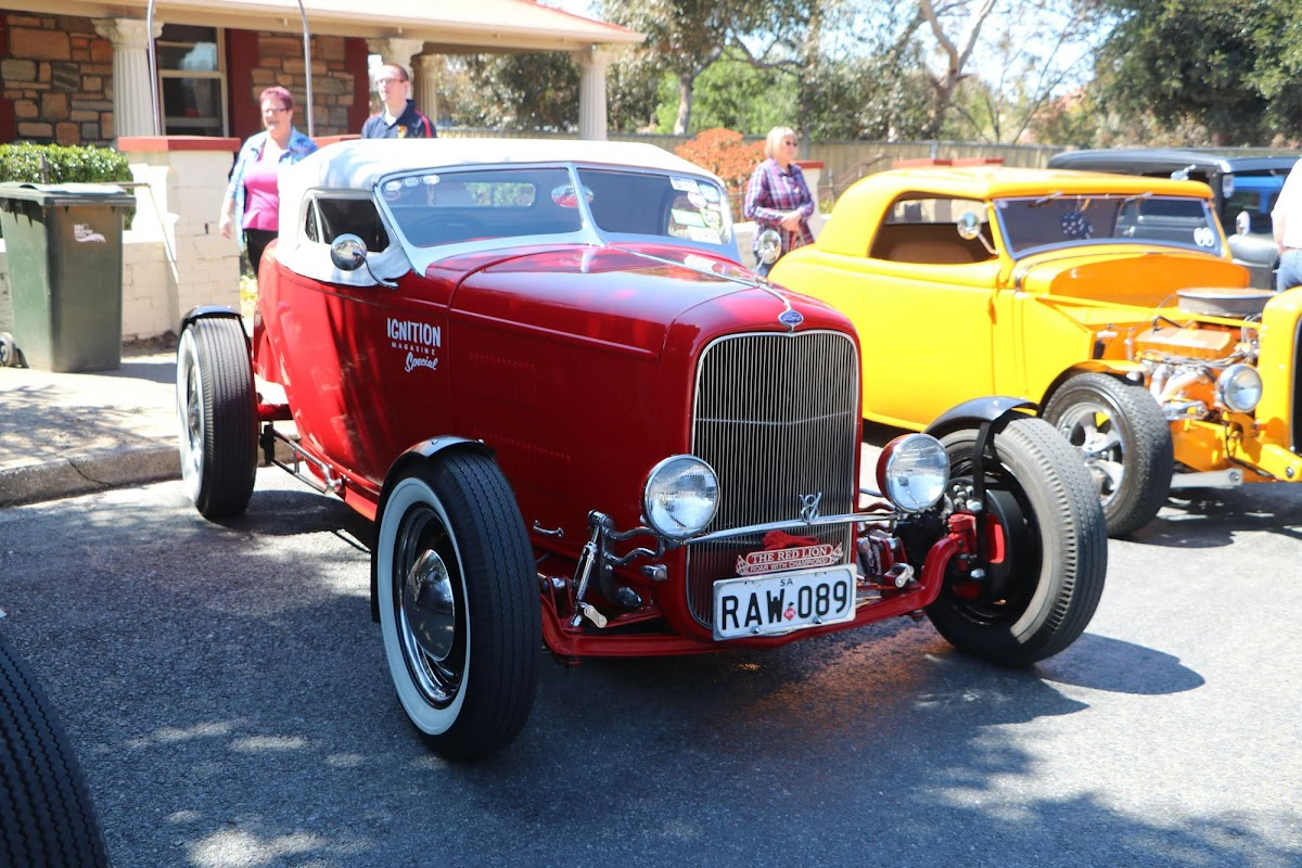 Ford Coupe (Red) (02).jpg