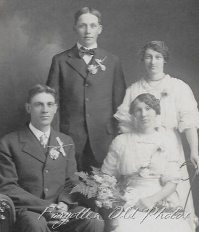 wedding group from Iowa JG