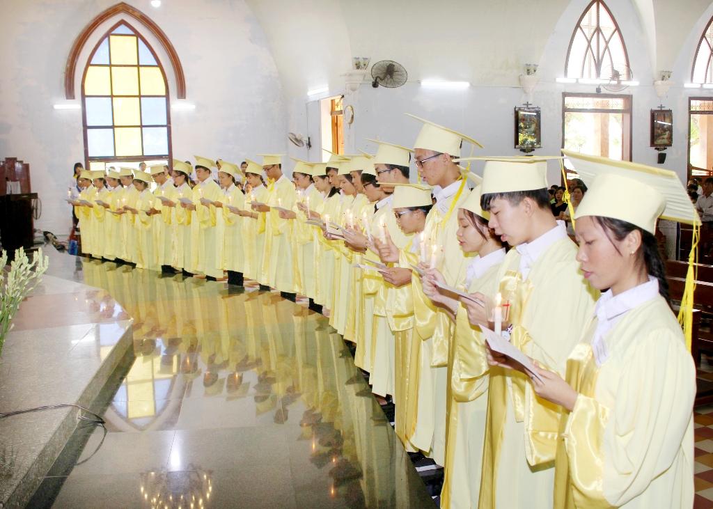 Lễ tốt nghiệp giáo lý tại Tuy Hòa