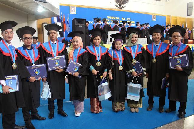 Wisuda Perdana MBisnis  - IMG_4686.JPG