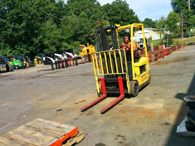 NL- Forklifts! - IMG_20140811_151919