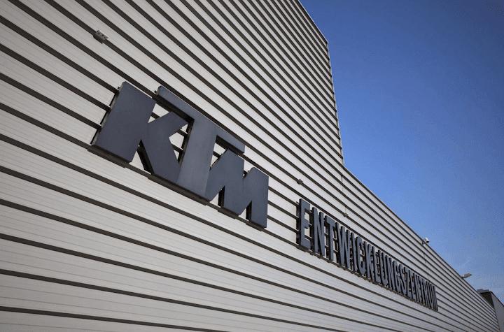 ★KTM 2015年に10億ユーロ超の収益を達成