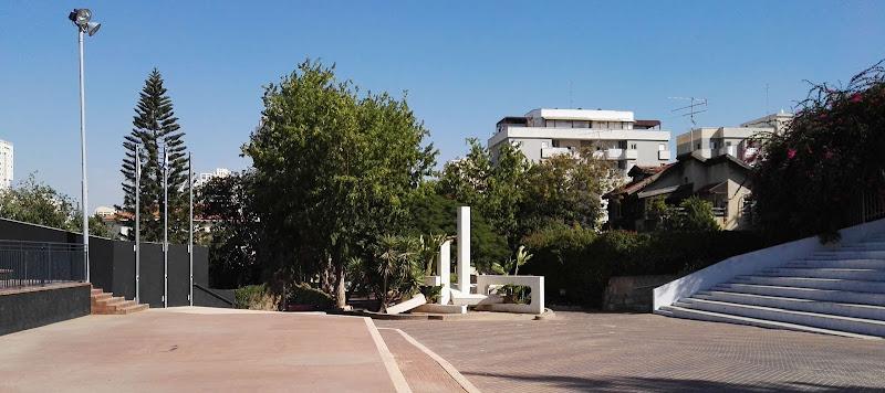 Воинские мемориалы небольшого израильского городка