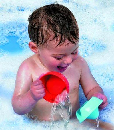 Khoảnh khắc vui đùa khi tắm của bé yêu với Đồ chơi khi tắm Gấu Puddle vui vẻ