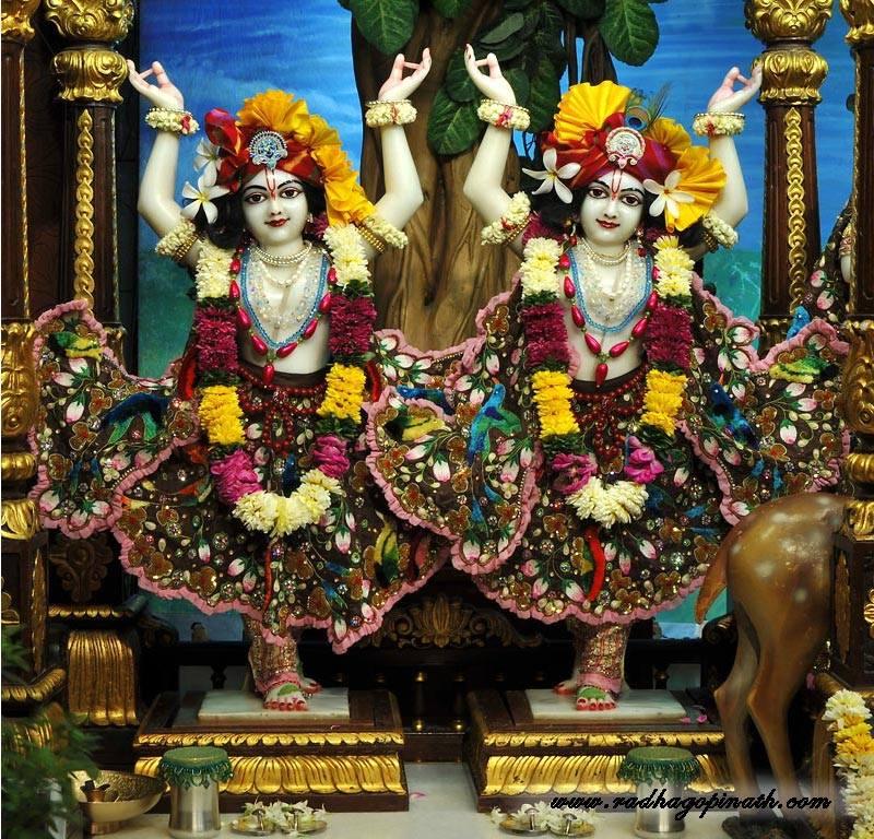 ISKCON Chowpatty Deity Darshan 01 Mar 2016  (2)