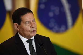 Mourão sobre Bolsonaro: 'É o responsável por tudo o que aconteça'