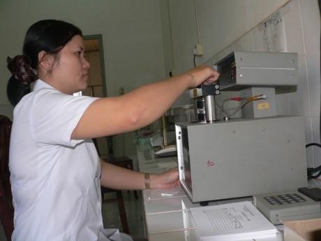 Kiểm nghiệm chất lượng sản phẩm tại Phòng kiểm phẩm Công ty CPCS Đồng Phú.