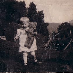 Elsa med bamsen kopi