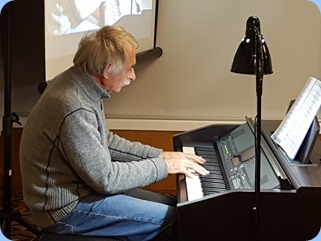 Claude Moffat playing the Clavinova CVP-509