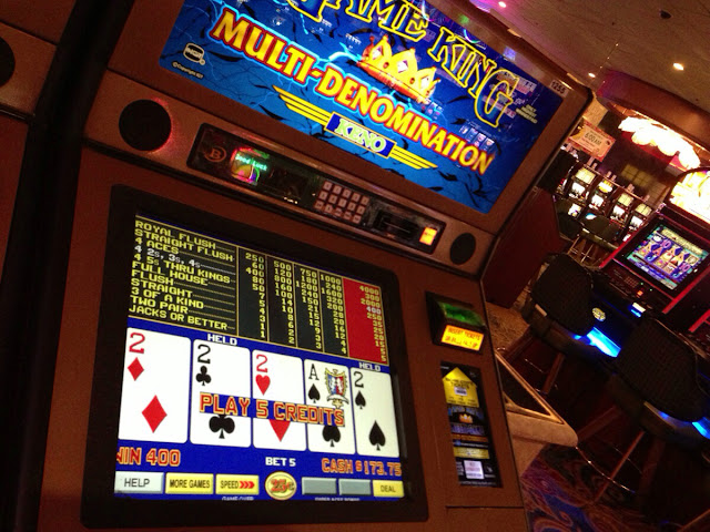 Video Poker Four Deuces