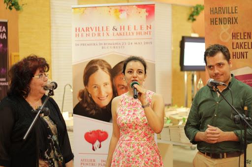 Lansarea colectiei PAS IN DOI  la Bookfest 2015