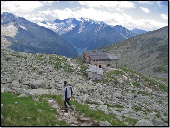 2634-Return-to-Friesenberg-Hut
