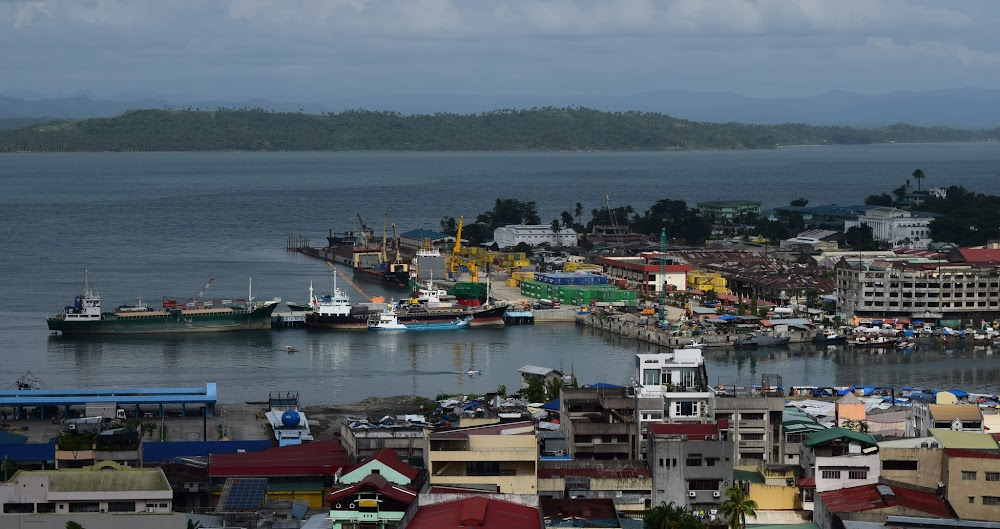 Tacloban port and market areas...