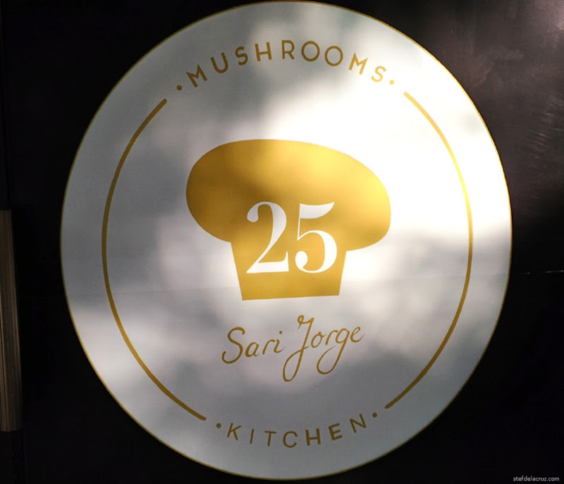25 Mushrooms Kitchen