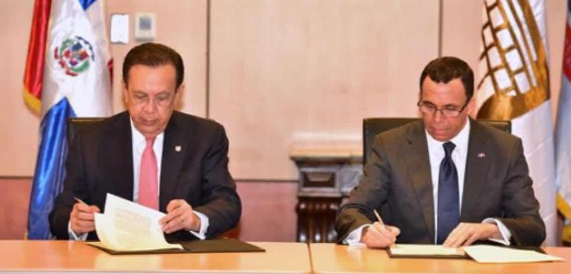 Educación y Banco Central firman acuerdo para impartir educación financiera