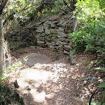 Stone wall near Hermit Point (254309)