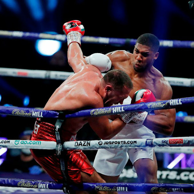 Big right hand from Anthony Joshua and it's KO