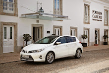 2013-Toyota-Auris-4
