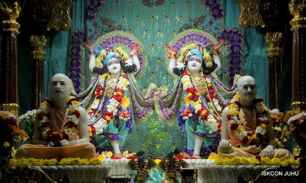 ISKCON Juhu Sringar Deity Darshan on 24th July 2016 (42)