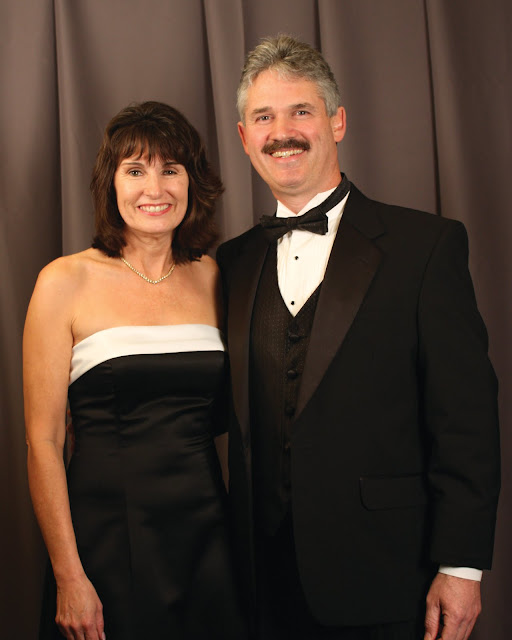 2010 Commodores Ball Portraits - Couple7A.jpg