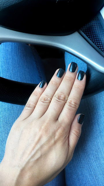 Chanel 558 Sargasso Nail Swatch Autumn Gray Manicure Review