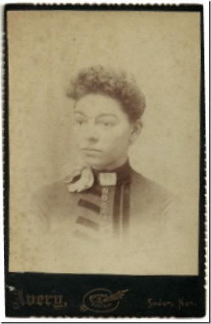 GILLEN_Bessie Etta_portrait pic_from ancestry tree of Susan Burdick_enh
