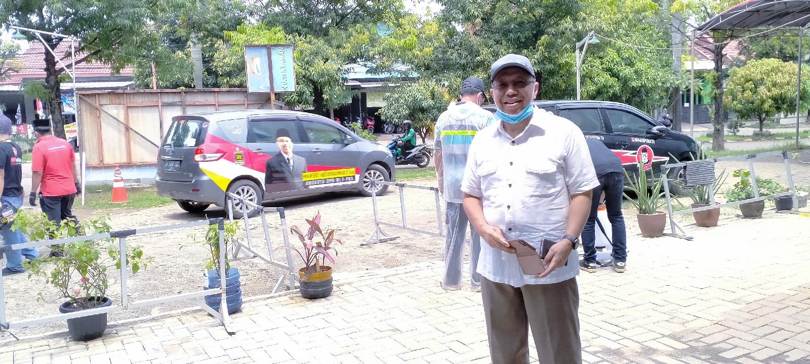 Mahfudz Abdurrahman turun Langsung Penyemprotan Desinfektan