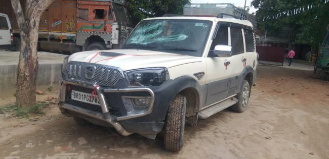 Bihar News:80 हजार की अवैध शराब लेकर आ रही स्कॉर्पियो जब्त, एक गिरफ्तार