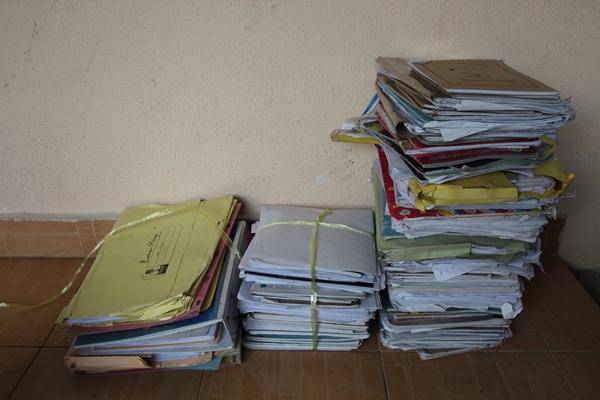 kertas terpakai diikat kemas dan dikumpul