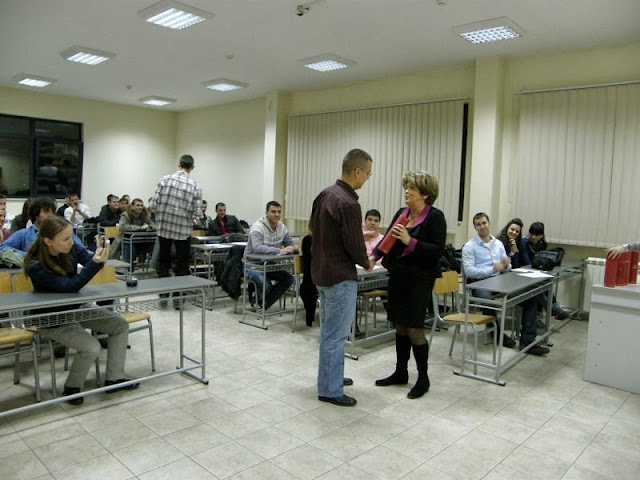 Dodela diploma, Predstava, Izlozba SingiDigitala 28.12.2011 - PC280278.jpg