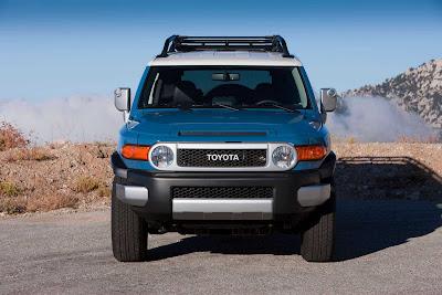 Toyota_FJ_Cruiser_2011_01_1920x1280