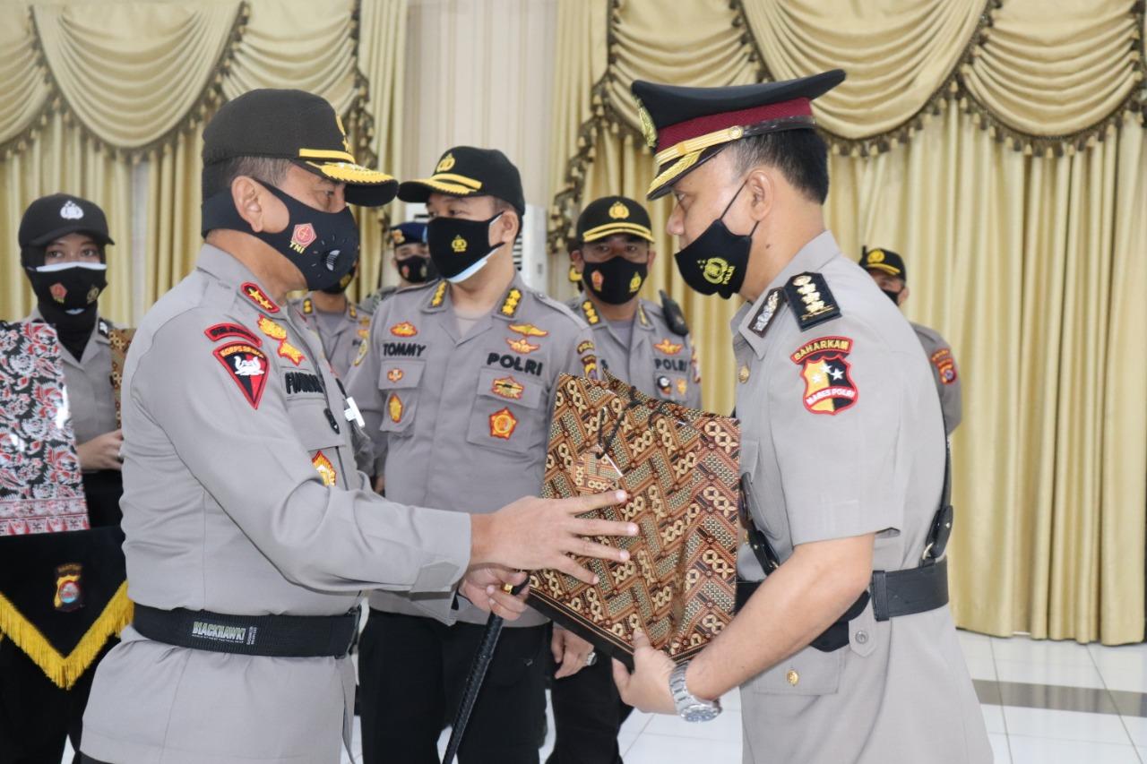 Kapolda Banten Pimpin Sertijab Dirpolairud Polda Banten dan Kapolres Pandeglang