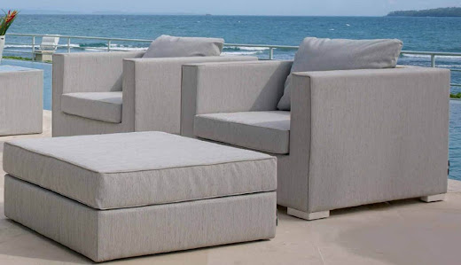 Skyline design muebles para exteriores karen collignon for Franquicias de muebles