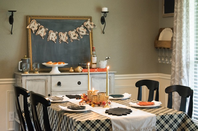 Plaid thanksgiving dining room