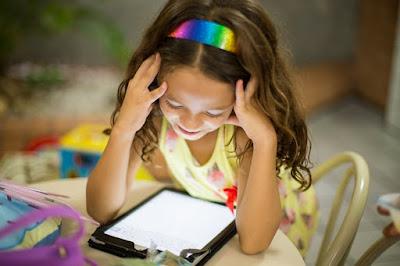 Pilih Tablet atau Smartphone untuk Media Belajar Daring