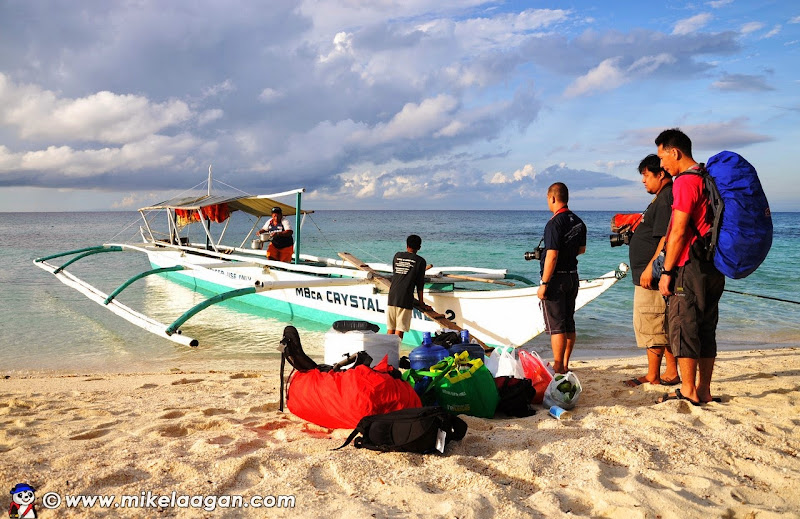 Docking at Calanggaman
