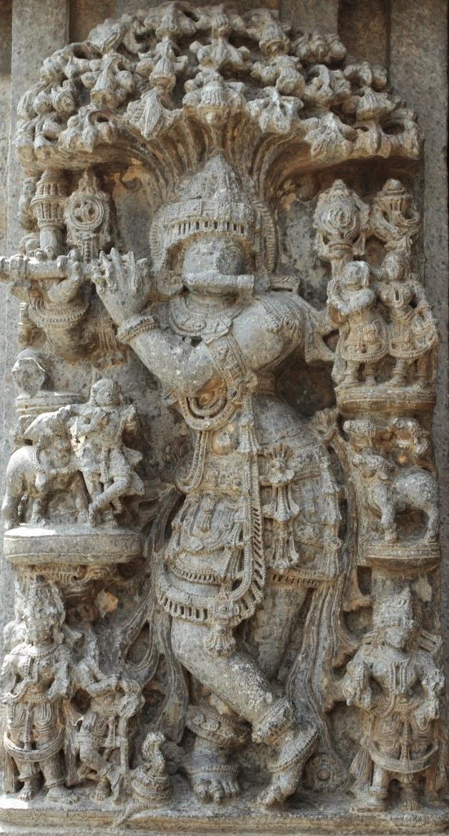 Statue of Venugopal (Krishna) at the Keshava Temple of Somnathpur